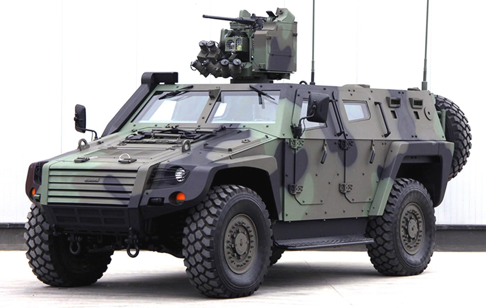 Машина Cobra II на базе американского экспериментального «Хаммера»