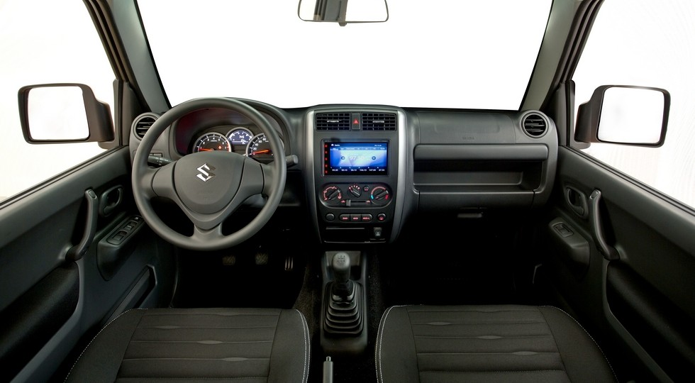 На фото: Suzuki Jimny актуального поколения