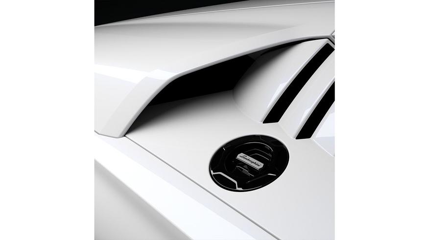 Возрождение Lamborghini Countach: суперкар показался на новых фото