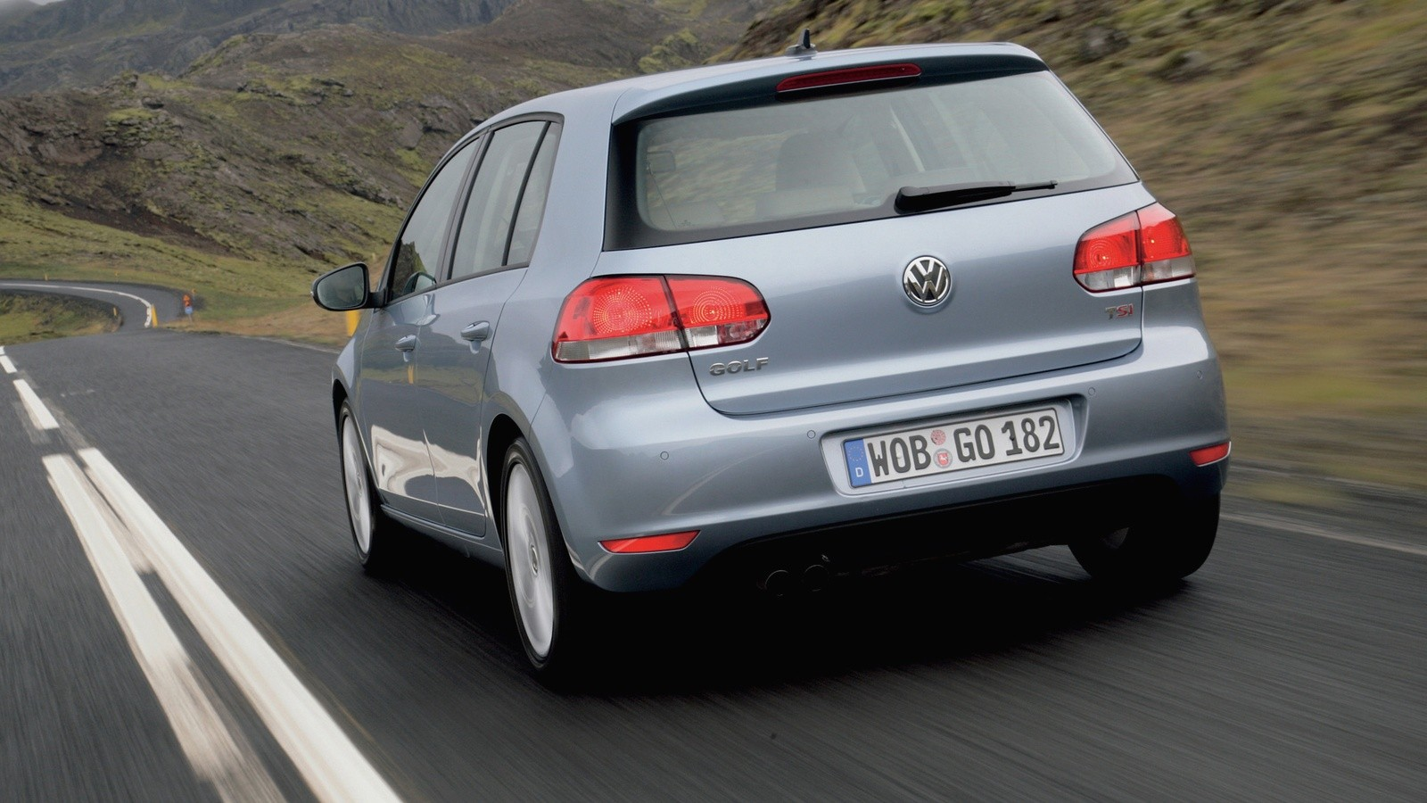 На фото: Volkswagen Golf 5-door '2008–12