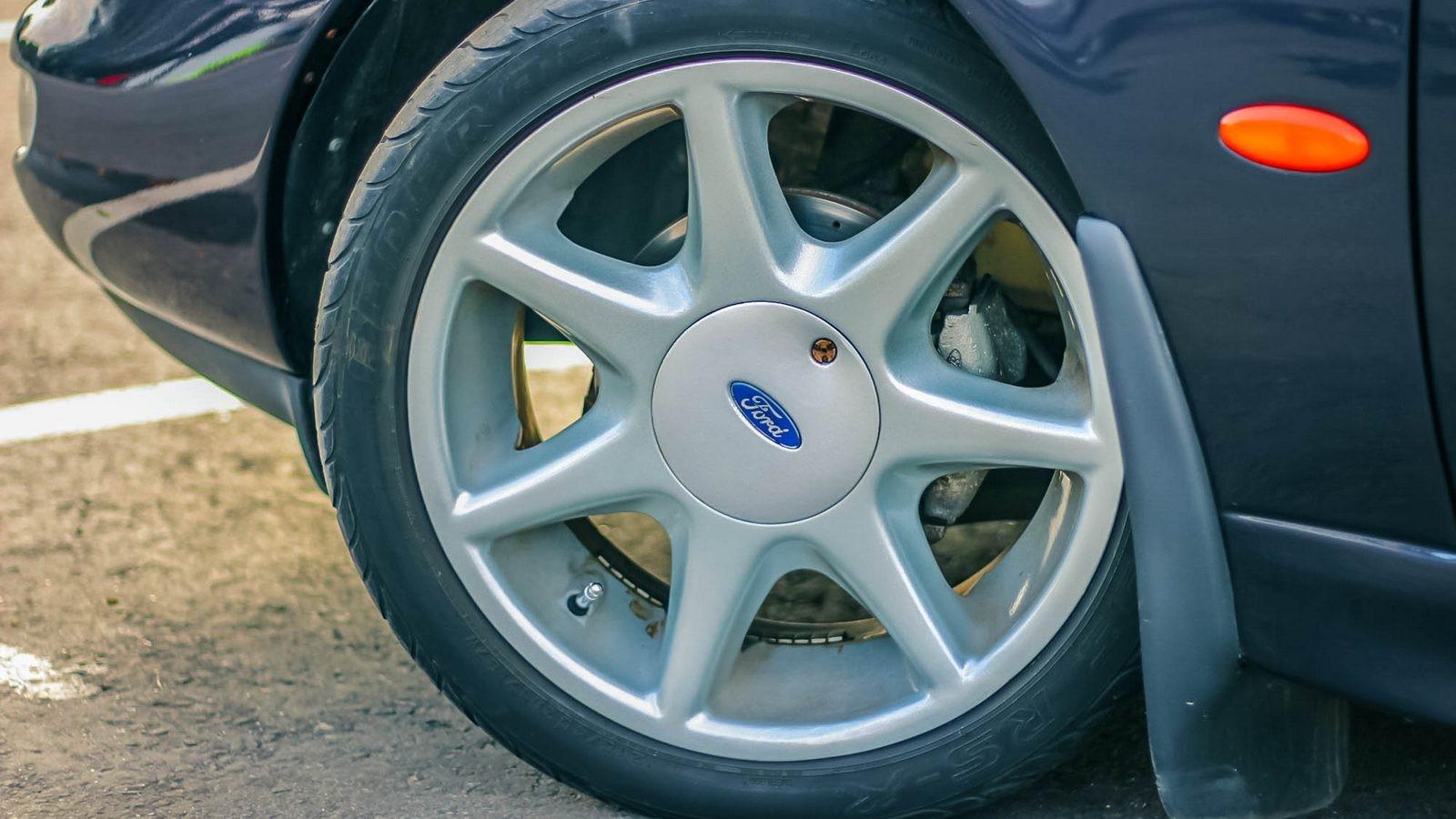 Ford Scorpio колесо