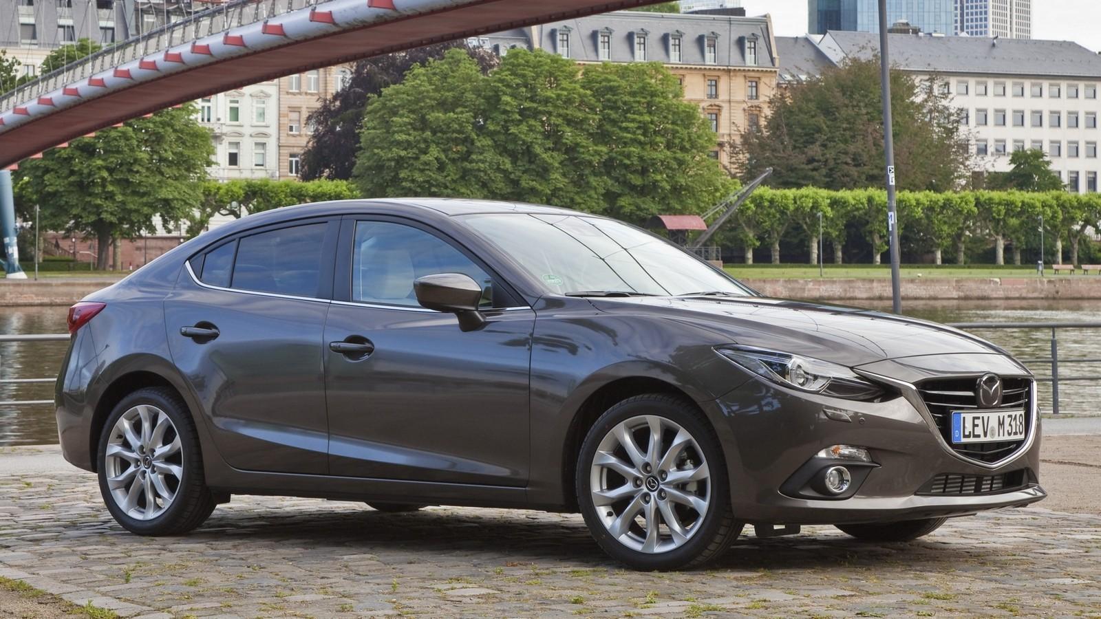 На фото: Mazda3 '2013–н.в.