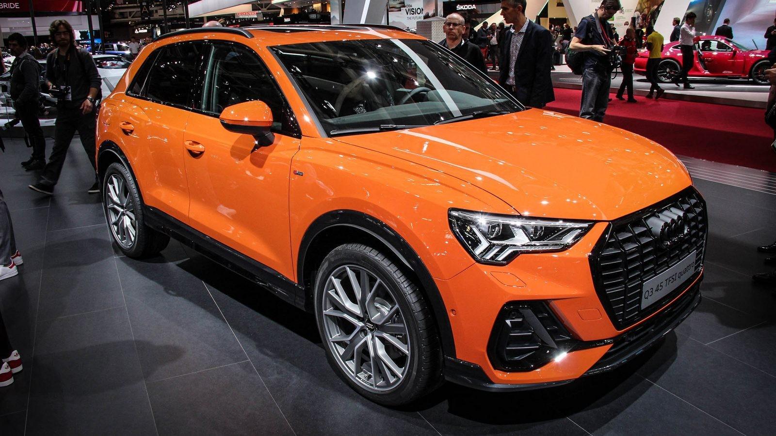 Audi Q3 оранжевая три четверти (2)