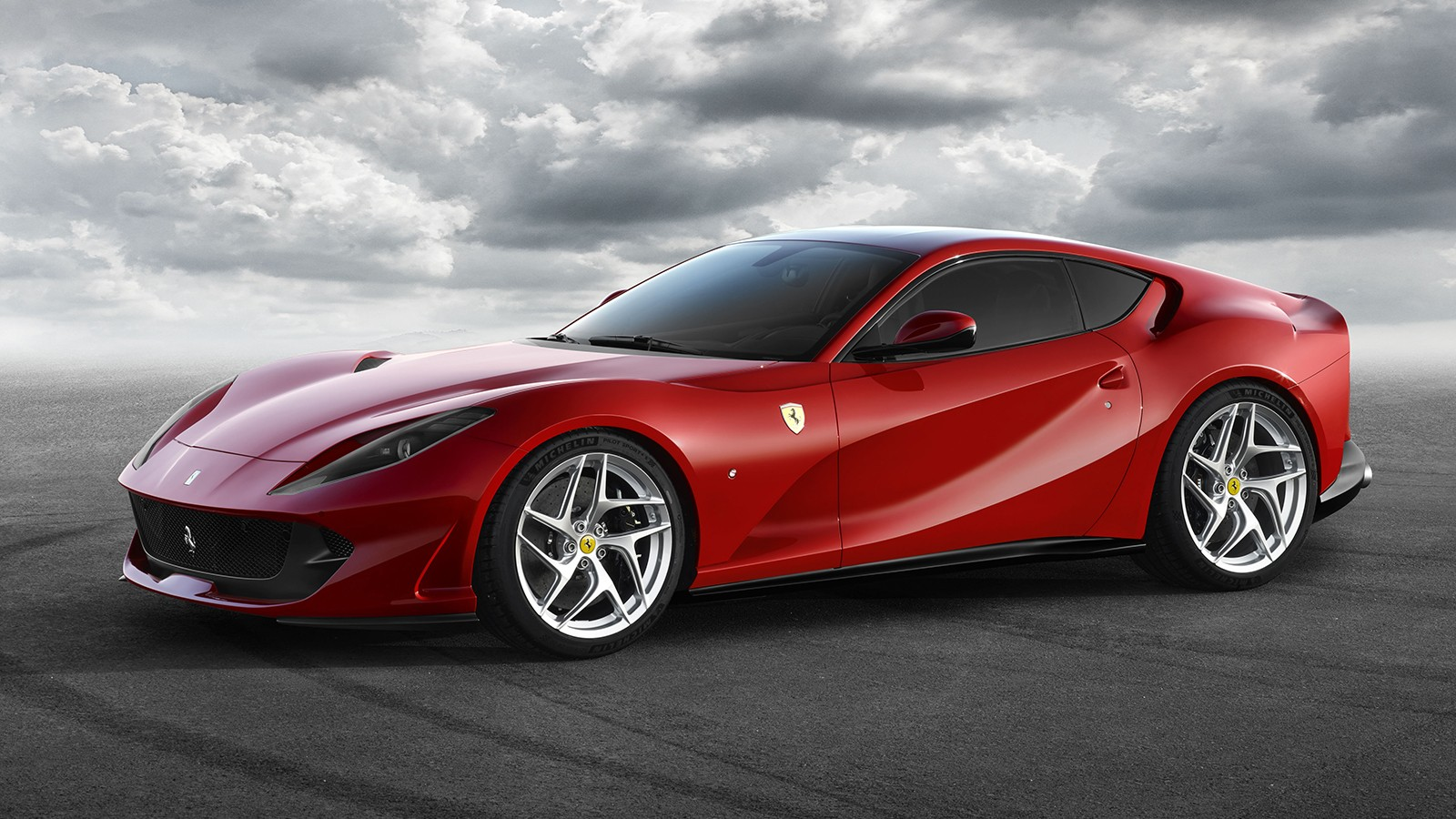 На фото: Ferrari 812 Superfast