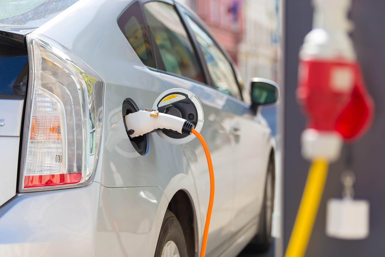 Авито Авто: спрос на электромобили с пробегом вырос на 132%