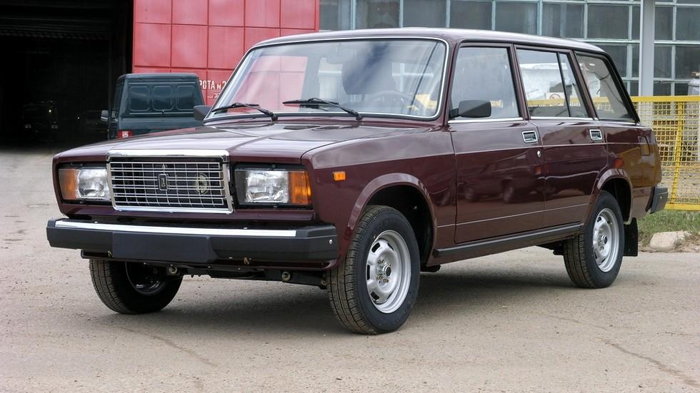 «Семёрочный» передок и диски ВАЗ-2108 – так выглядели машины последних лет выпуска, изготовленные уже за пределами Тольятти
