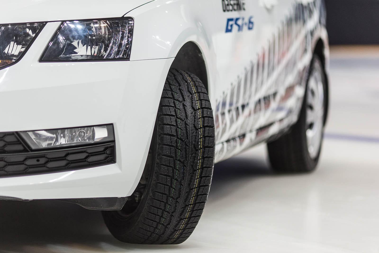 Шина Toyo Observe GSi-6 демонстрирует высокий уровень управляемости, безопасности и надежности