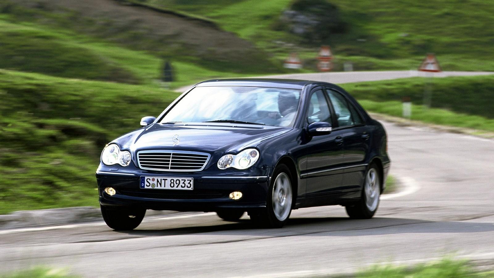 На фото: Mercedes-Benz 4MATIC (W203) '2002–05