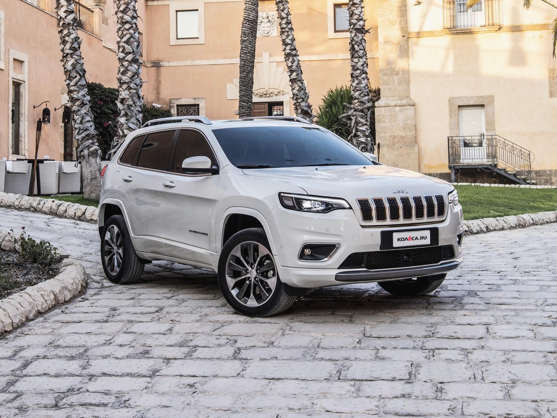 Jeep Cherokee 2018 объявил рублевые цены на обновленный внедорожник