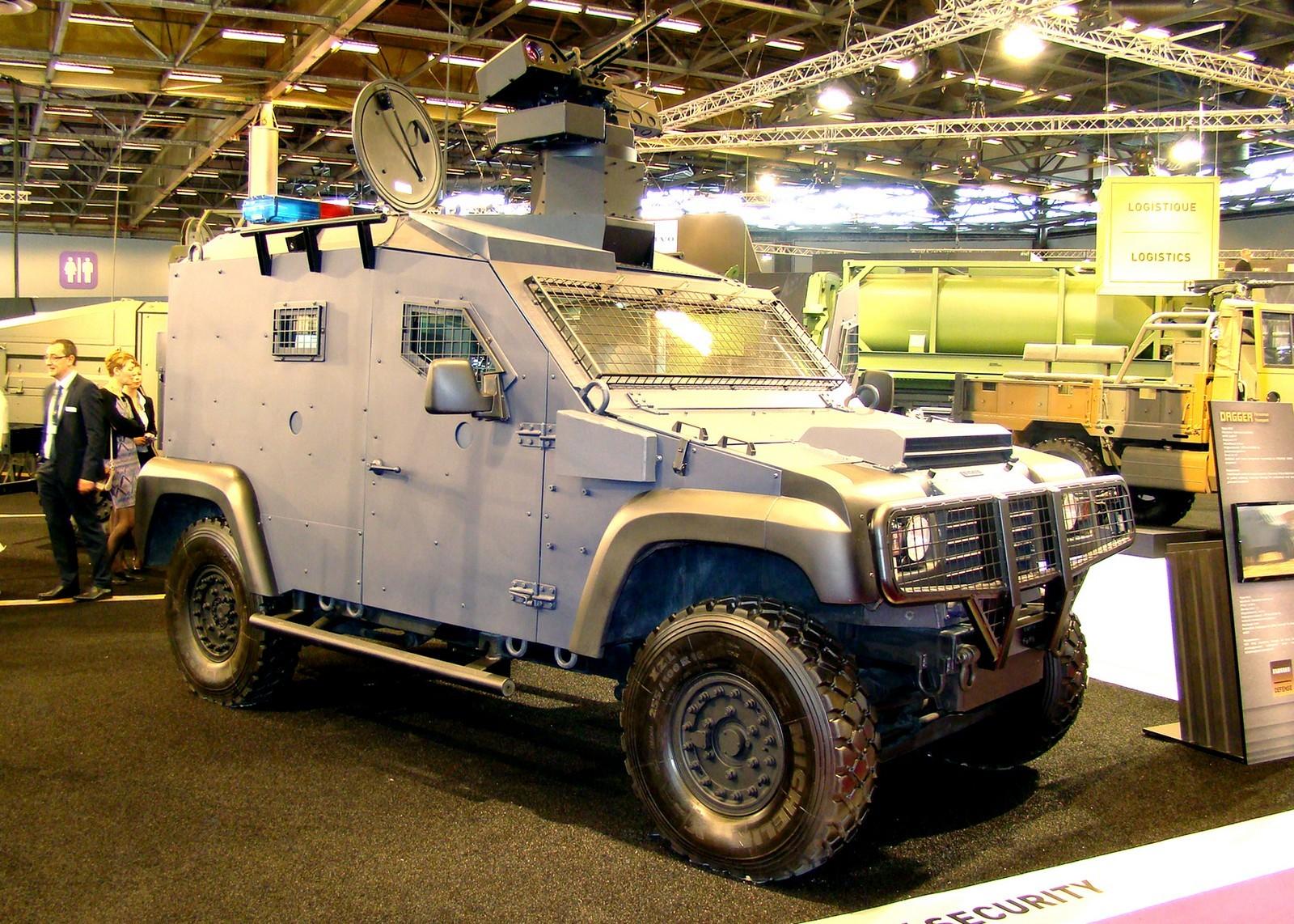 Компактная машина Panhard Dagger с разведывательно-боевым модулем