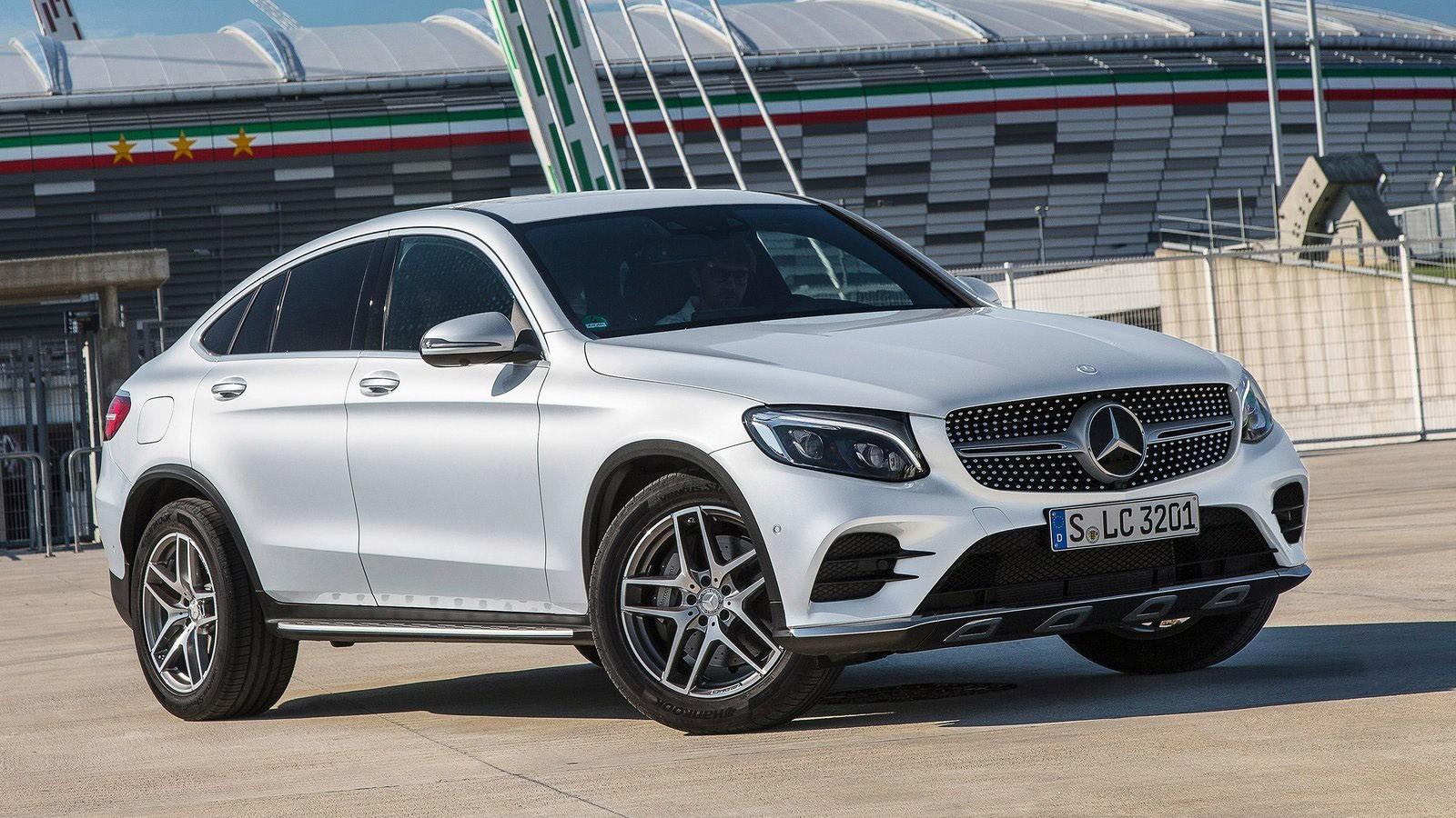 На фото: новый Mercedes-Benz GLC Coupe