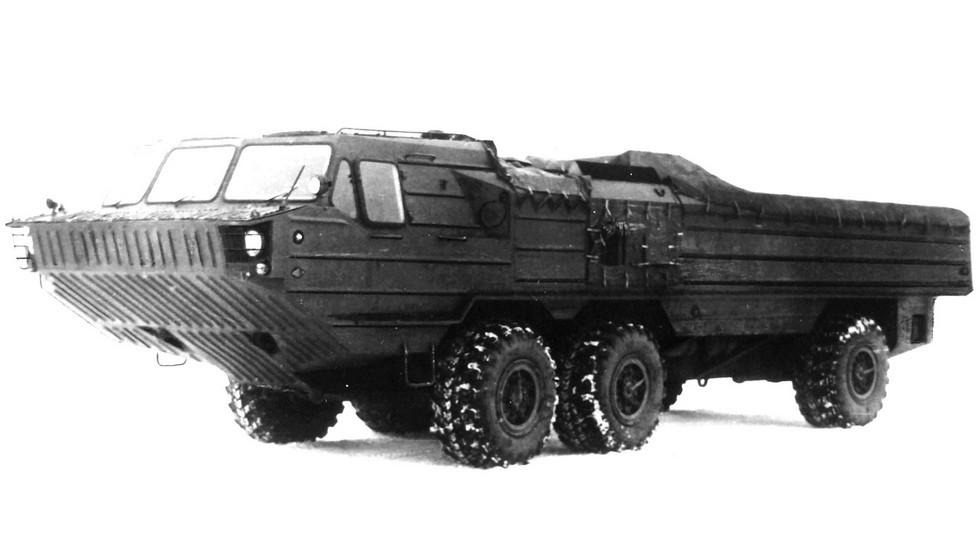 Доработанное шасси БАЗ-5947 для зенитно-ракетных систем (из архива 21 НИИЦ)