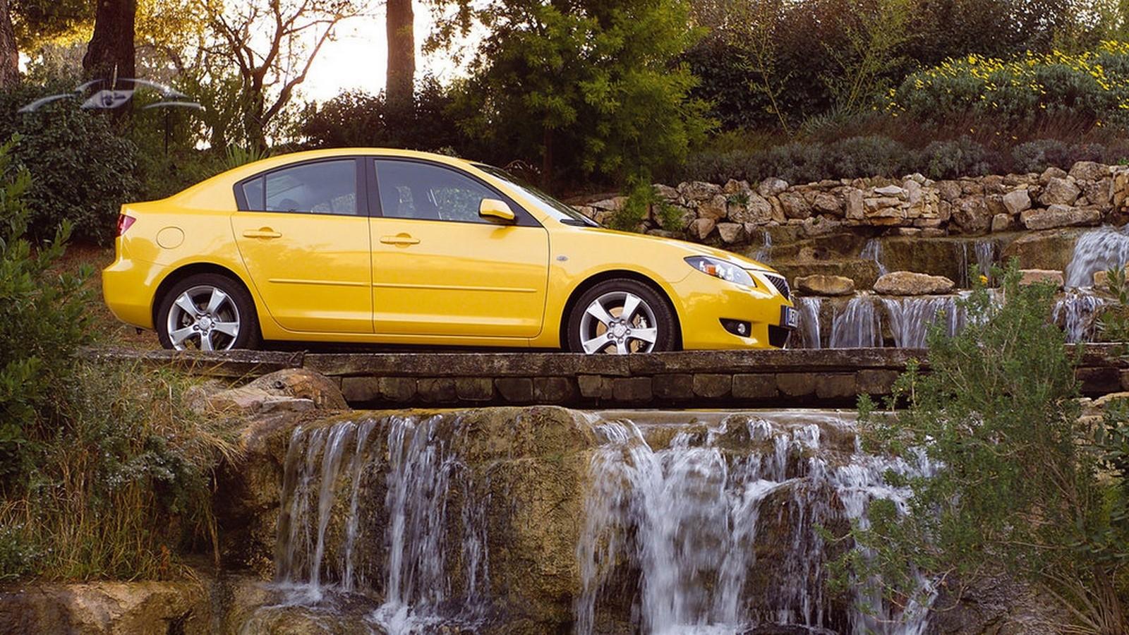 На фото: Mazda3 Sedan (BK) '2004–06