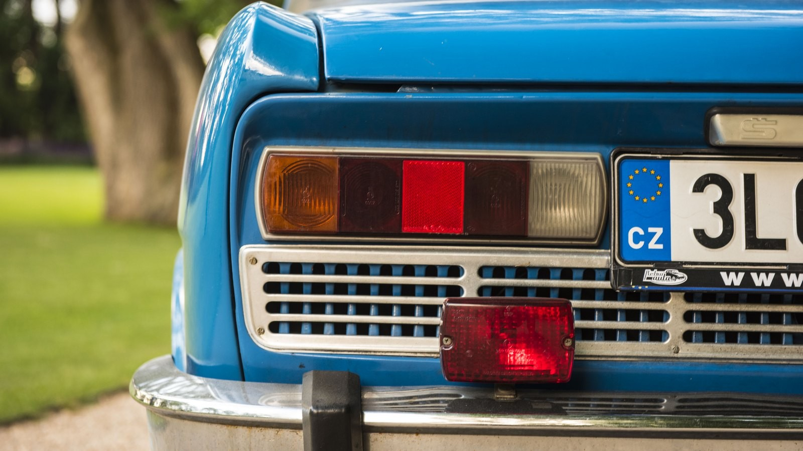 Skoda110 голубой фонари