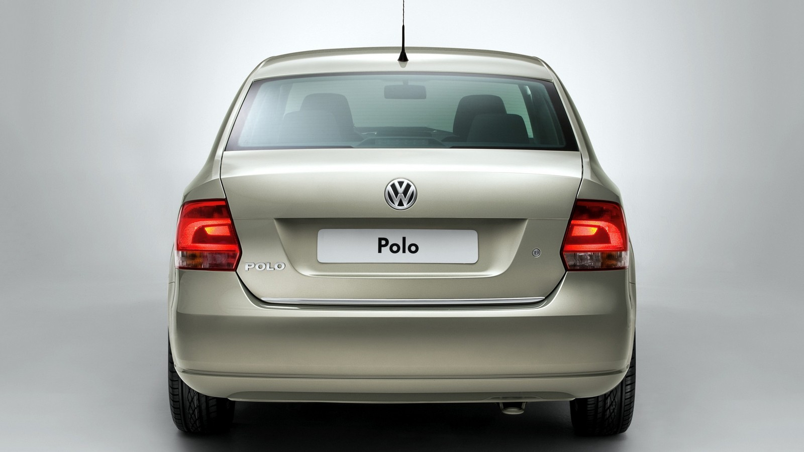На фото: Volkswagen Polo Sedan '2010–15