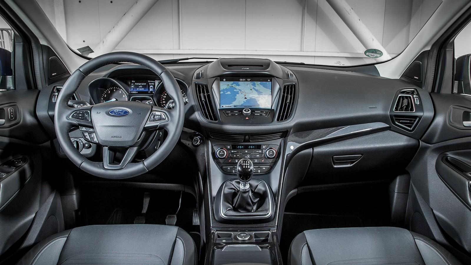 На фото: салон Ford Kuga '2017