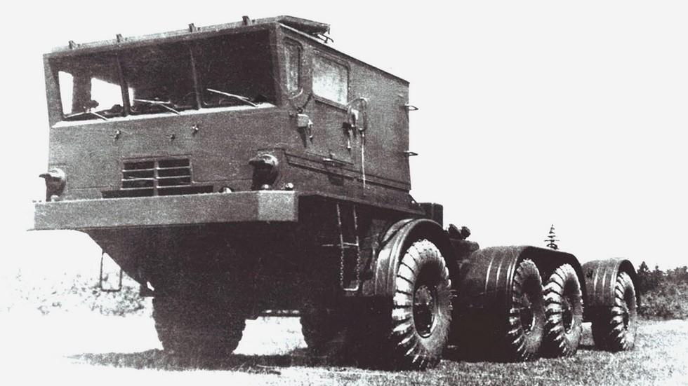 Длиннобазное шасси БАЗ-135МБ с 300-сильным двигателем V8 (из архива Н. Щербакова)