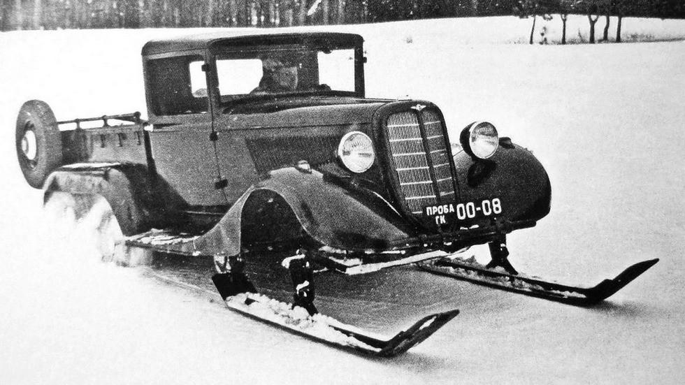 Колесно-лыжный вариант вездехода ГАЗ-21 на зимних испытаниях