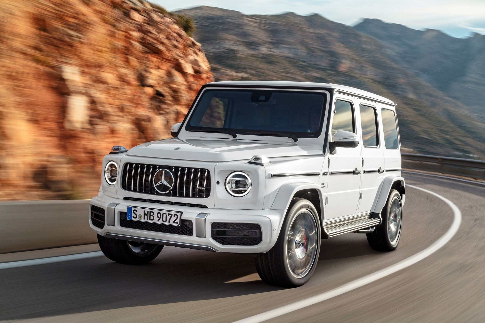 Отравленные смазкой: в России отзывают внедорожники Mercedes-Benz G-Class