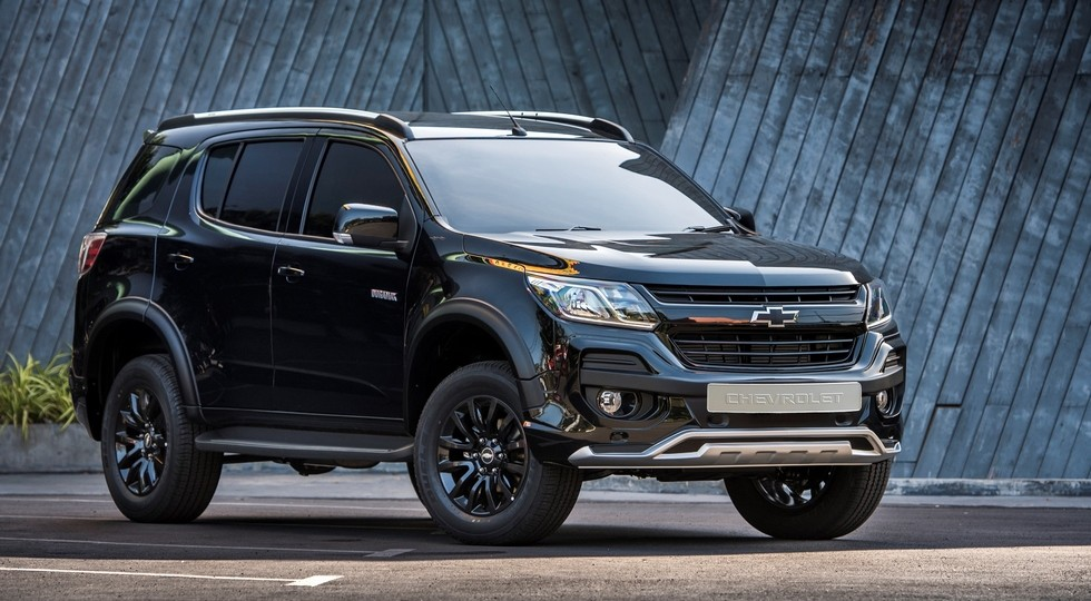 На фото: Chevrolet Trailblazer Perfect Black Concept