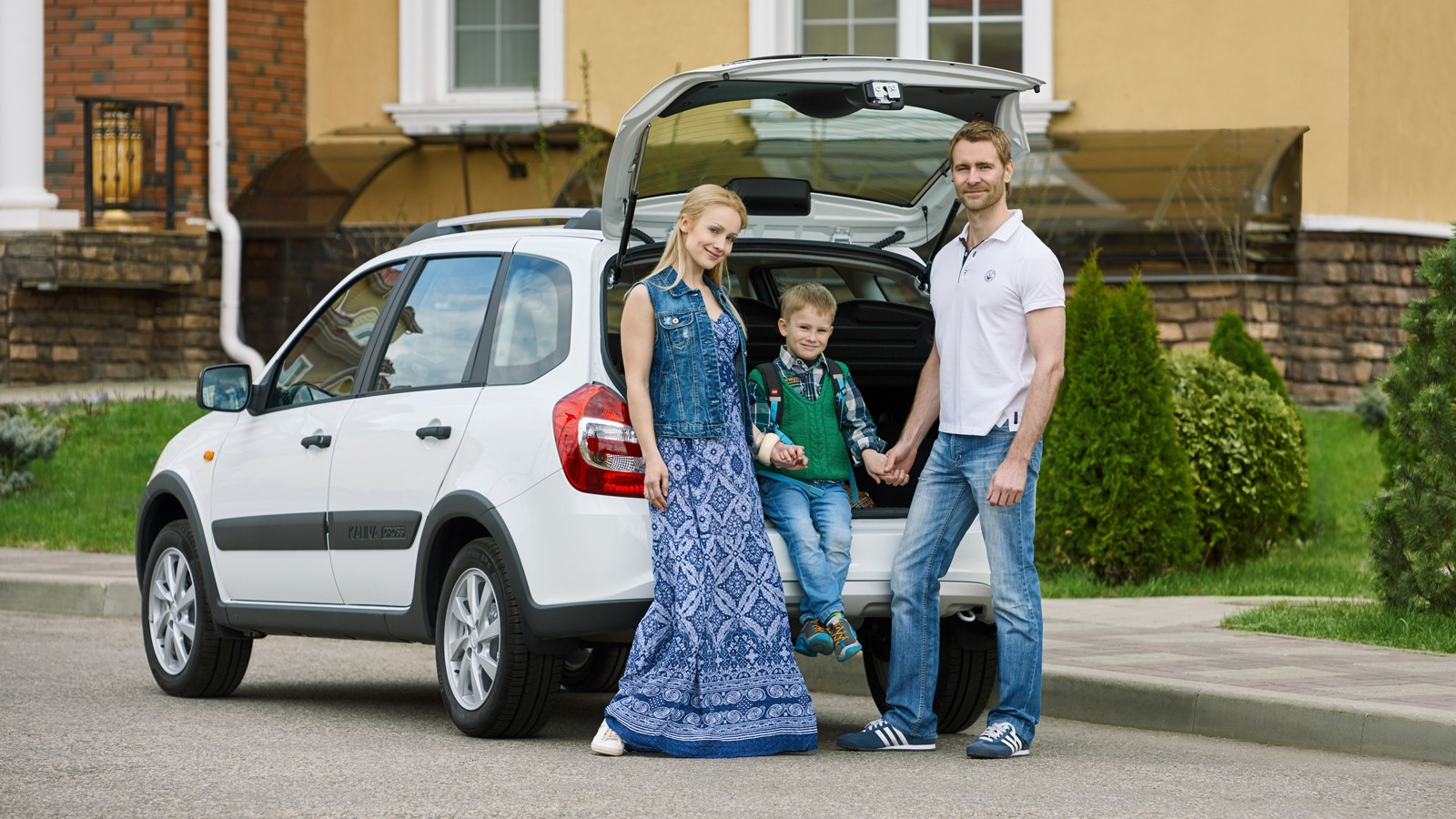 family_lada_kalina_cross_08