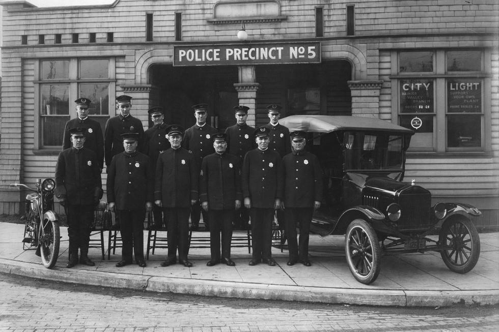1916-ModelT полицейский спецтранспорт