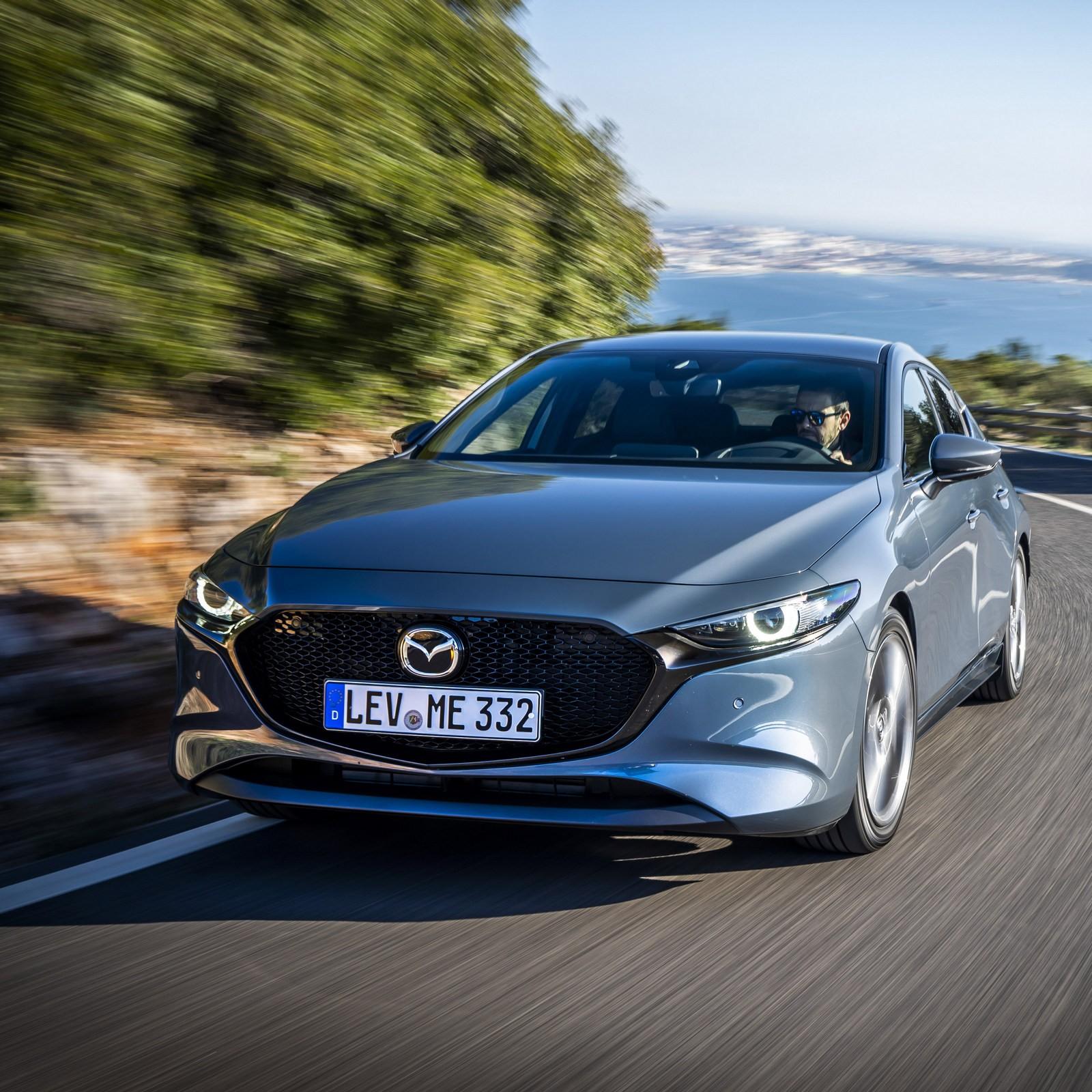 Mazda приостановила поставки в Россию модели Mazda 3 из-за действий правительства РФ
