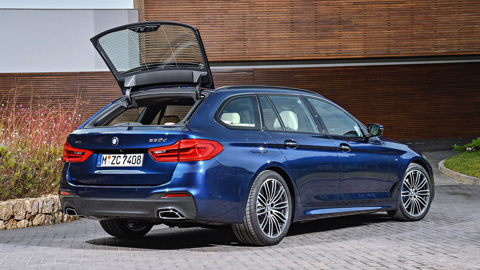 P90244997_highRes_the-new-bmw-5-series