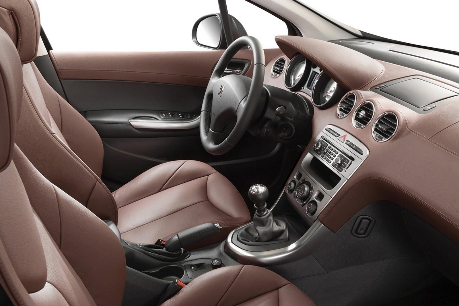 Торпедо Peugeot 308 3-door Worldwide '2007–10