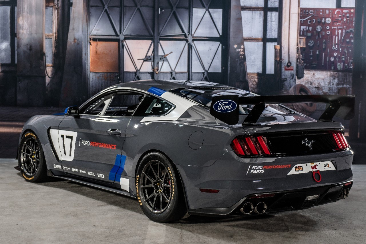 На фото: Ford Mustang GT4
