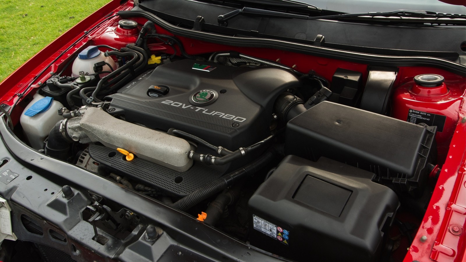 1,8-литровый турбомотор развивал 150-180 л.с.