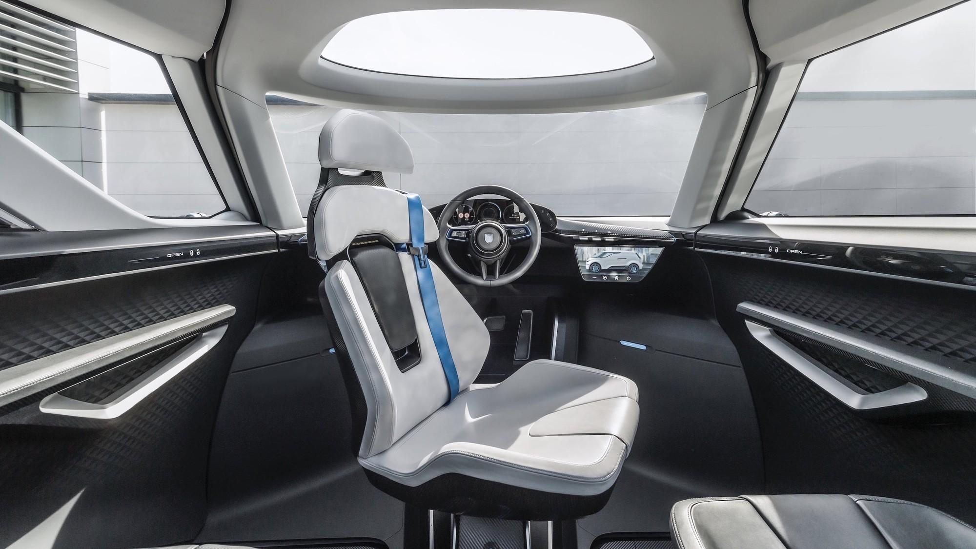 Минивэн Porsche Vision Renndienst показал салон: шесть мест и водитель по центру