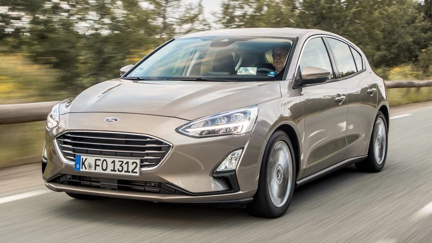 «Посвежевший» Ford Focus: узнаваемый силуэт, но фонари и бампер новые