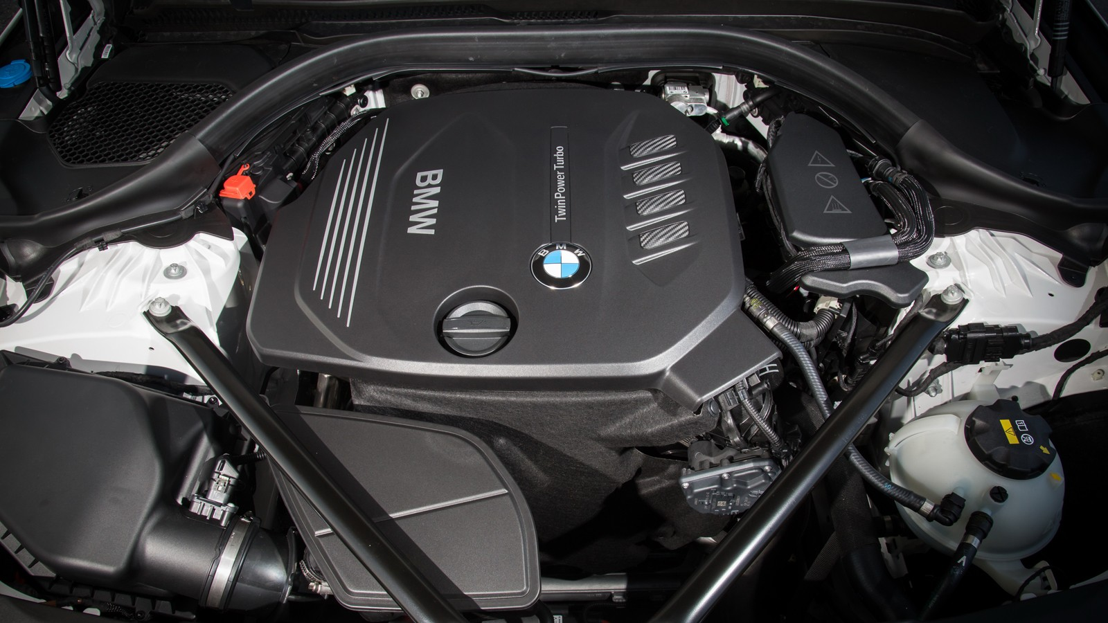 bmw_520d_sedan_luxury_line_62