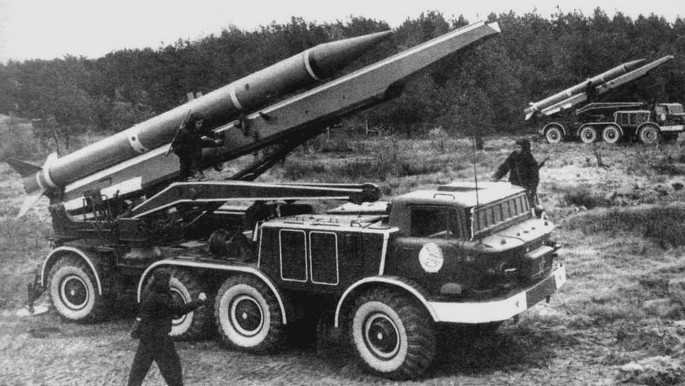 Комплексы 9К52М на базе ЗИЛ-135ЛМП в Советской армии (из архива автора)
