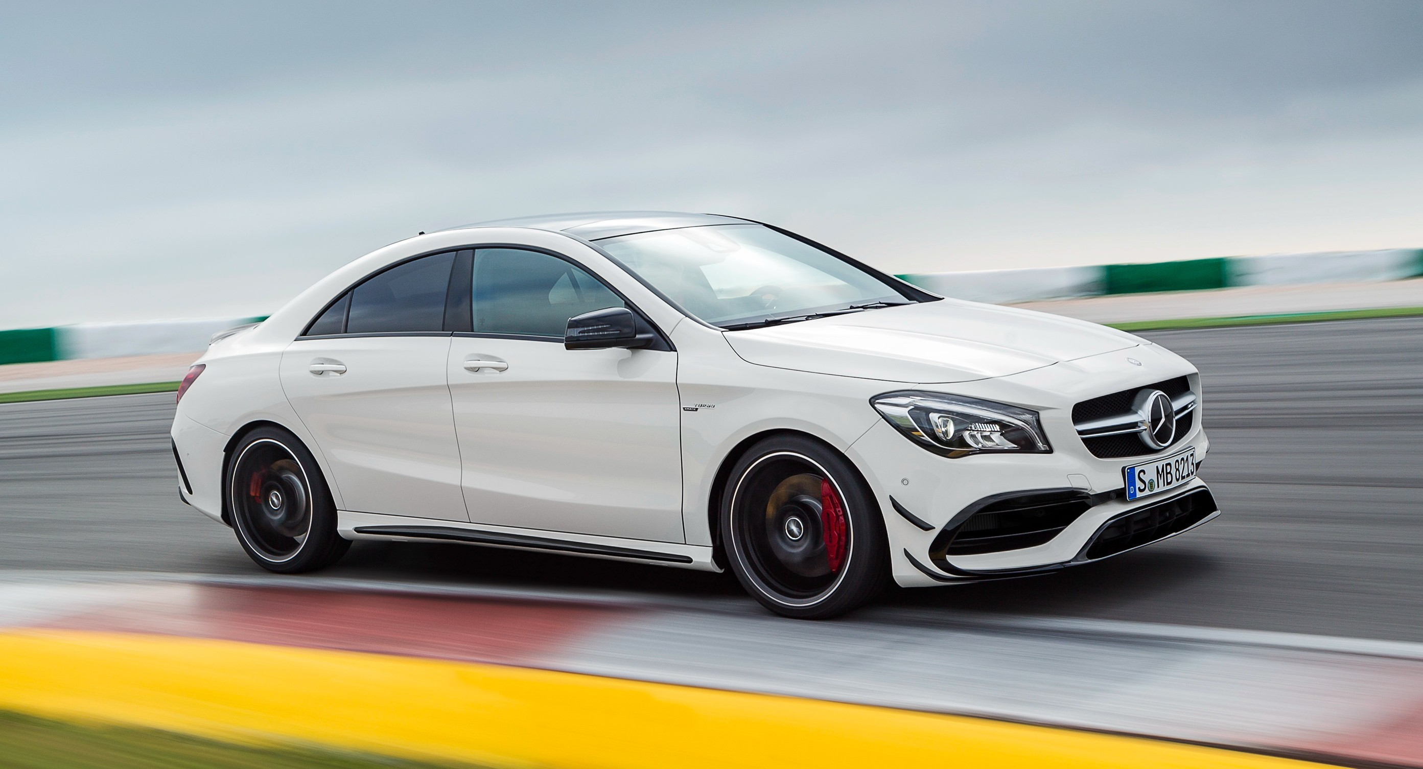 mercedes-amg_cla_45_4matic_2