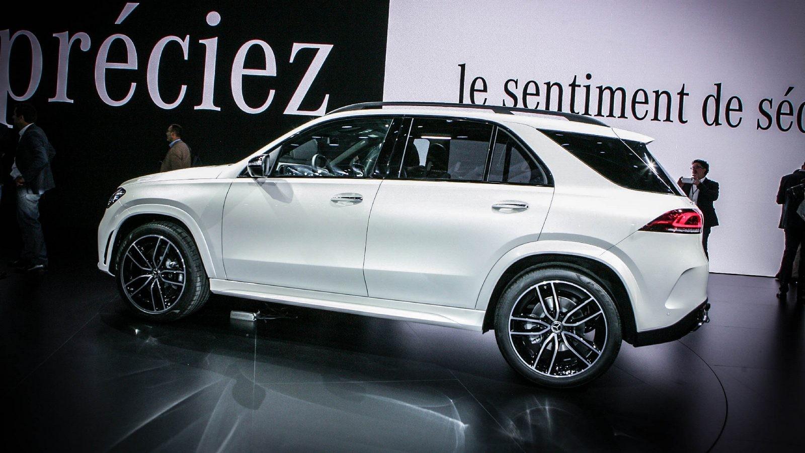 Mercedes-Benz GLE белый сбоку (2)