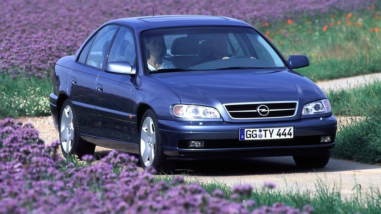 На фото: Opel Omega (B) '1999–2003