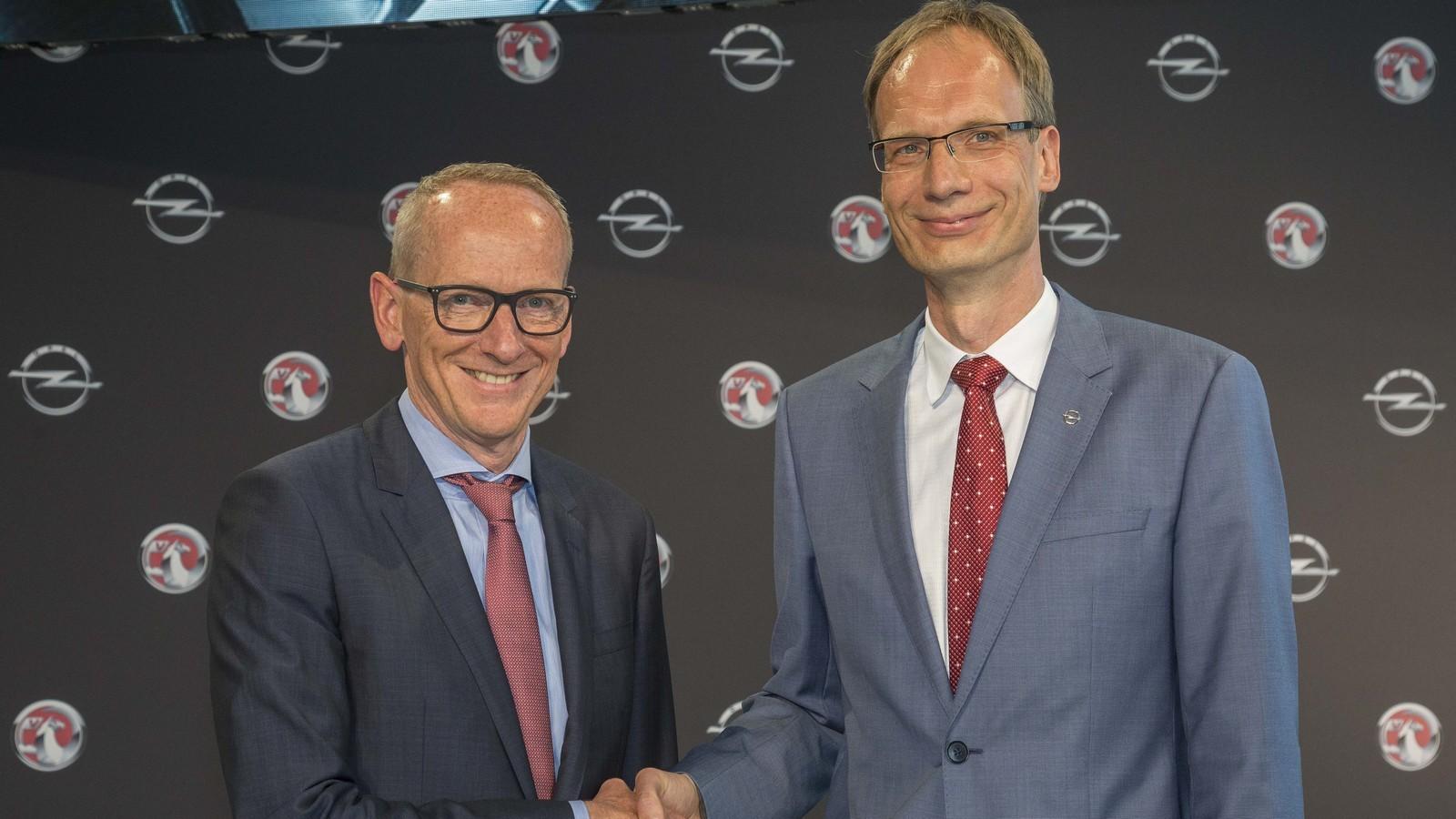 Карл-Томас Нойманн (слева) и Михаэль Лошеллер (справа)