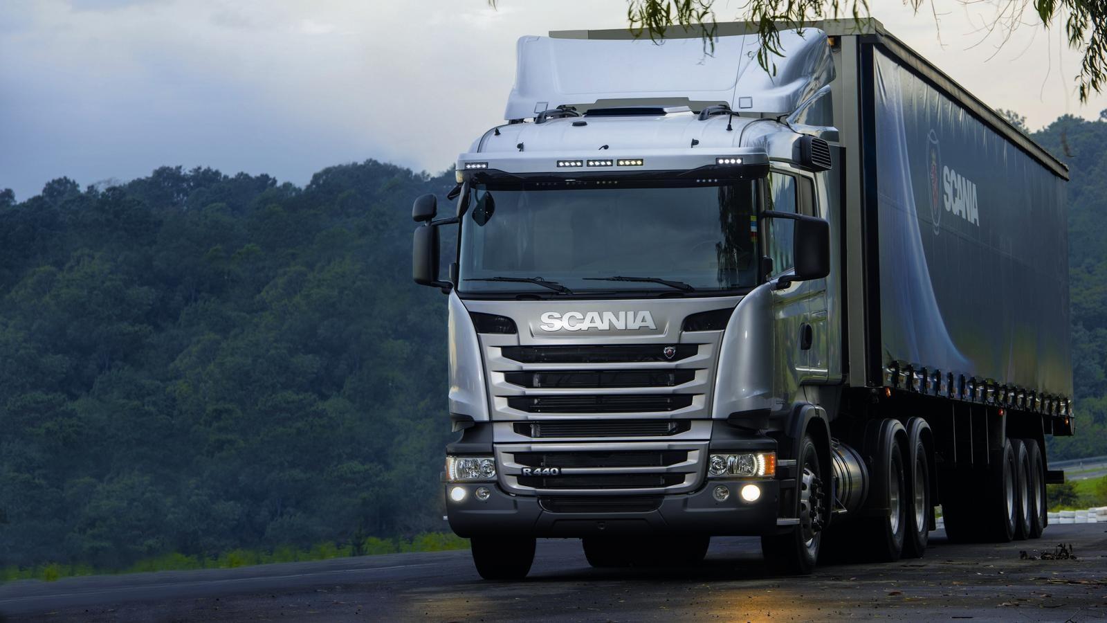 На фото: Scania R440 Streamline 6×2 tractor Normal cab '2013–н.в.