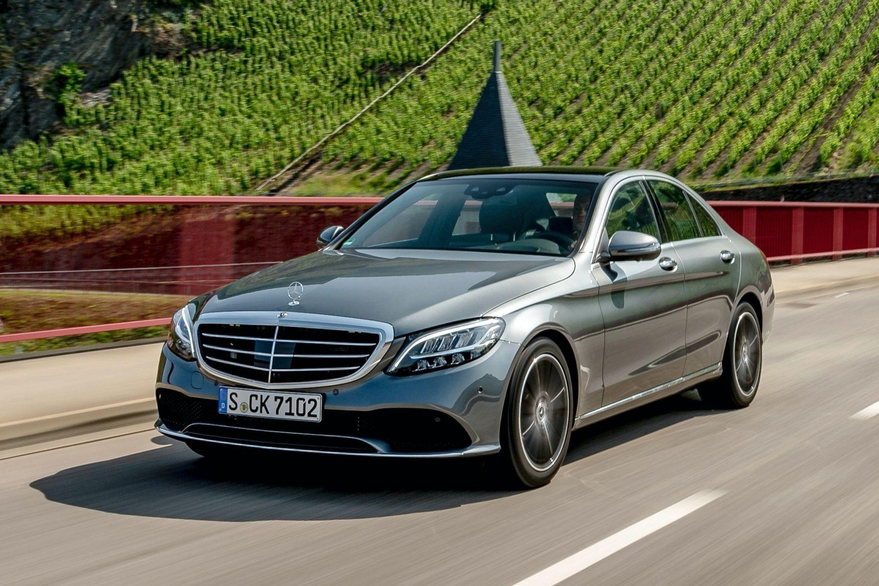 От плохого клея может снести крышу: Mercedes-Benz отзывает в России 4270 автомобилей