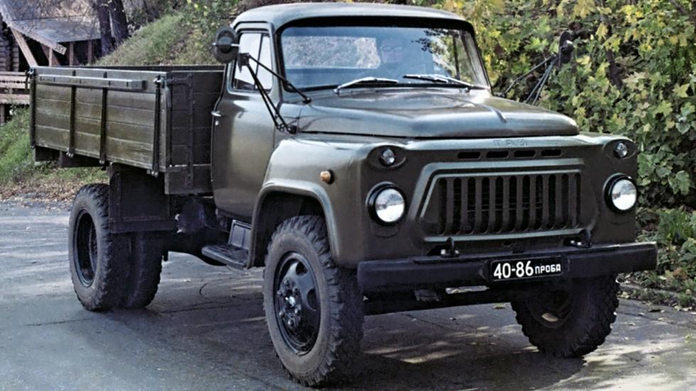 На фото грузовик с индексом…ГАЗ-3302! Опытный образец «газона» на базе модели 52-04 отличался увеличенной до трех тонн грузоподъемностью. Изготовлен в единственном экземпляре.