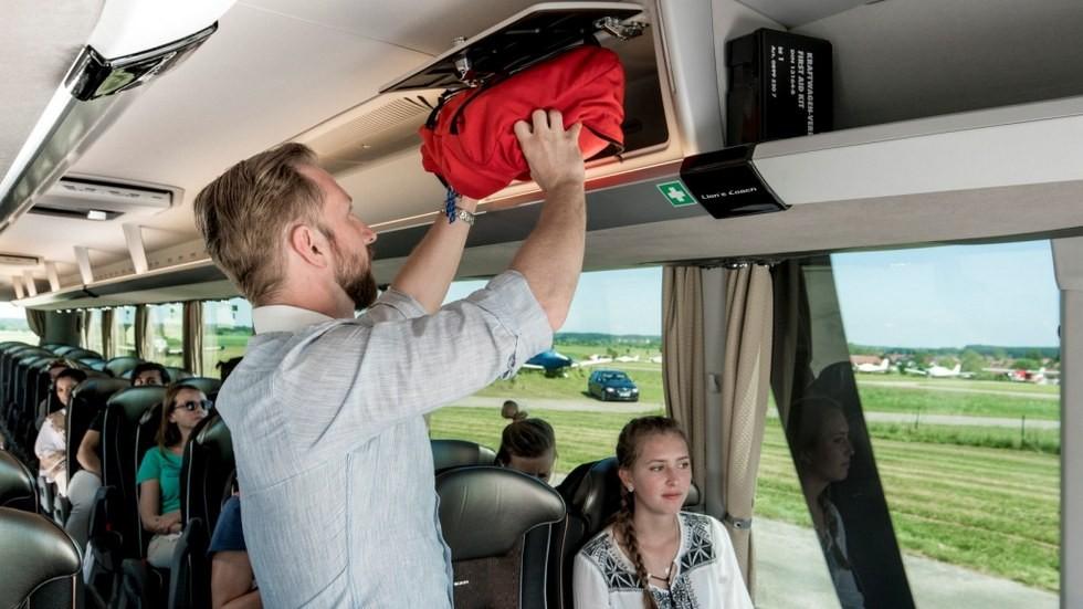 H_Bus_Coach-03_web