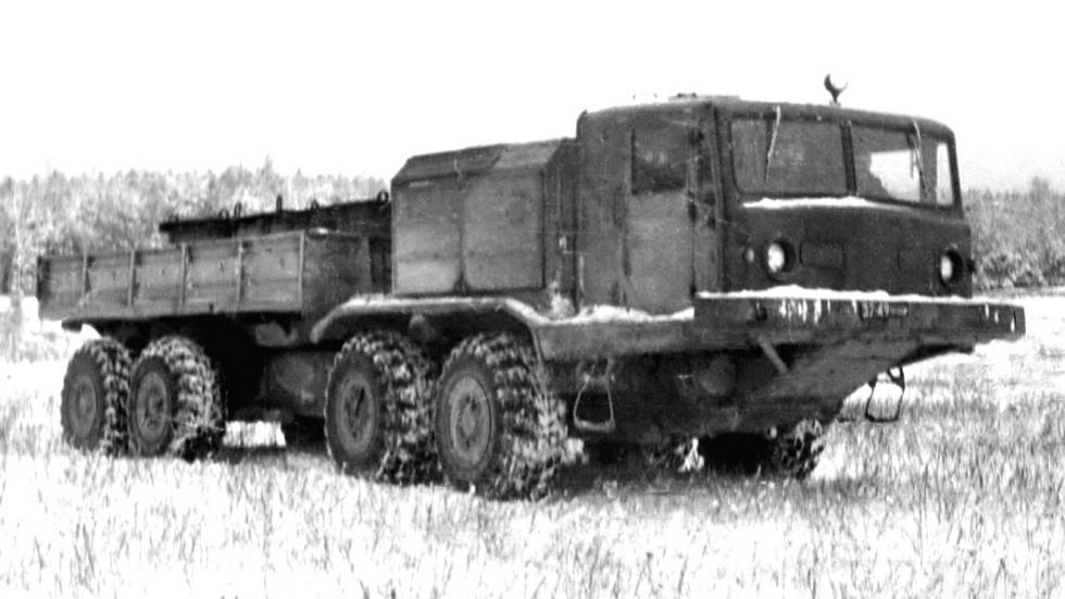 Зимние испытания 12-тонного 400-сильного автомобиля БАЗ-6952. 1977 год