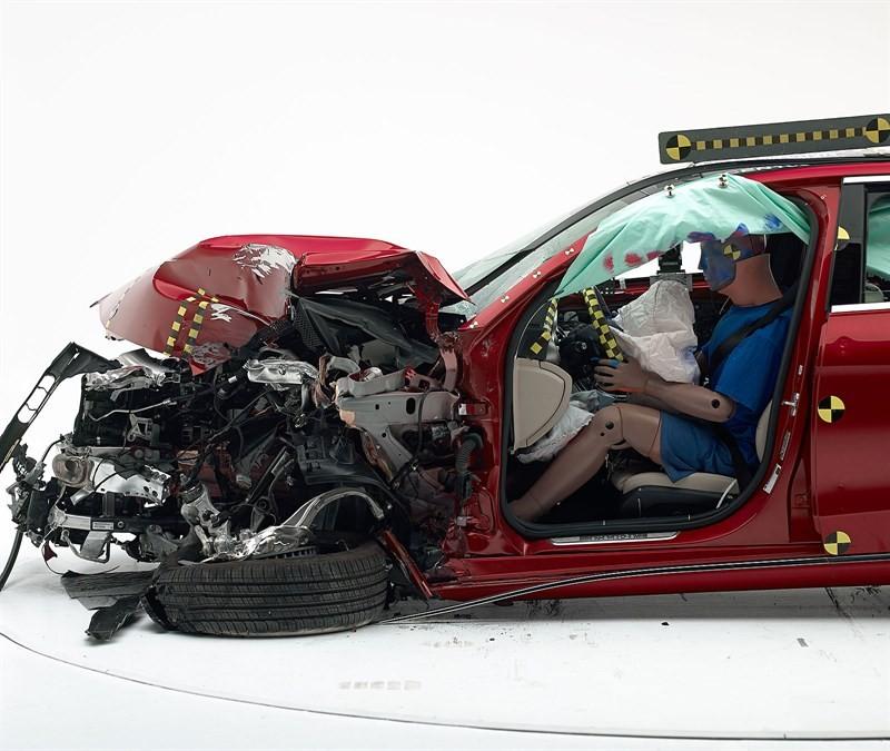 Mercedes-Benz C-Class краш тест