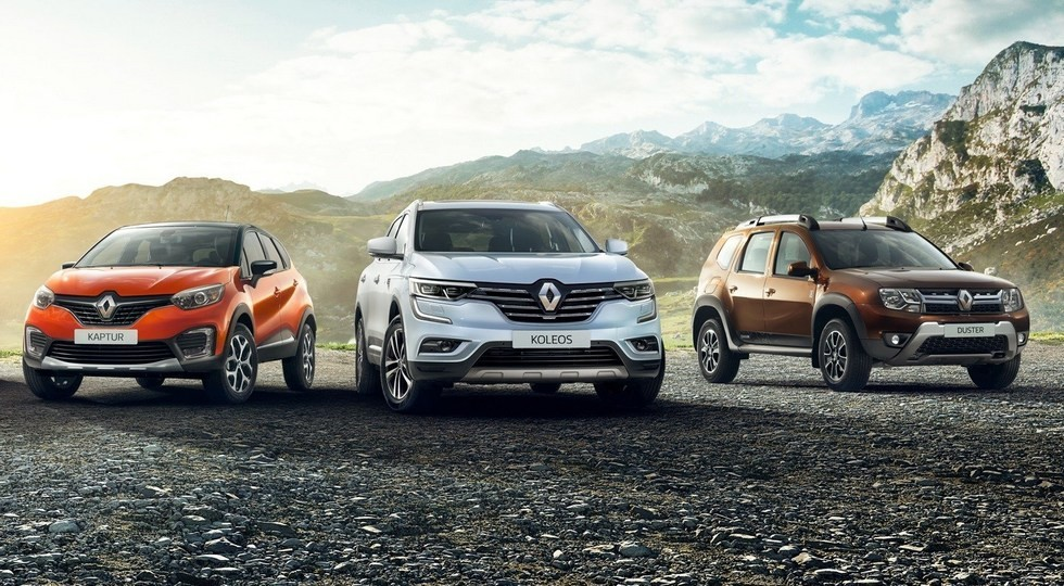На фото: Renault Kaptur, Koleos и Duster