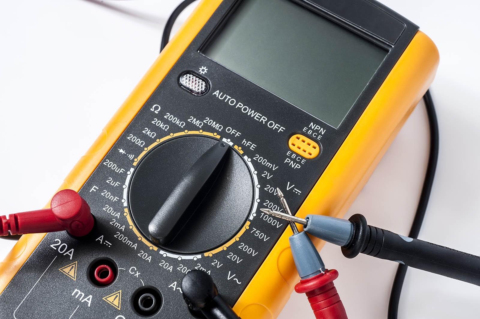 Бить аккуратно, но сильно: что такое датчик детонации и как его проверить без сканера?