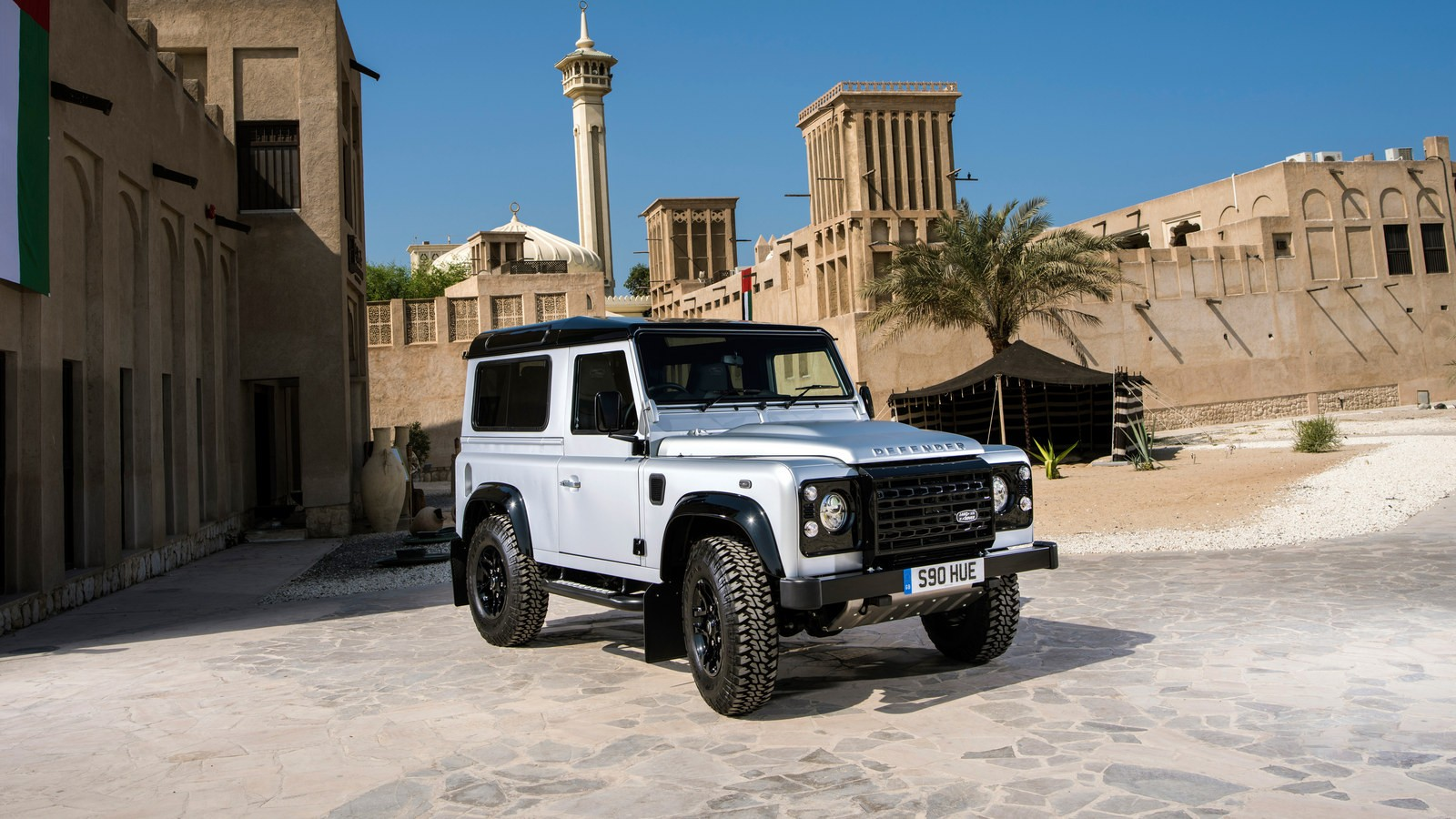 land_rover_defender_90_2_000_000th_8