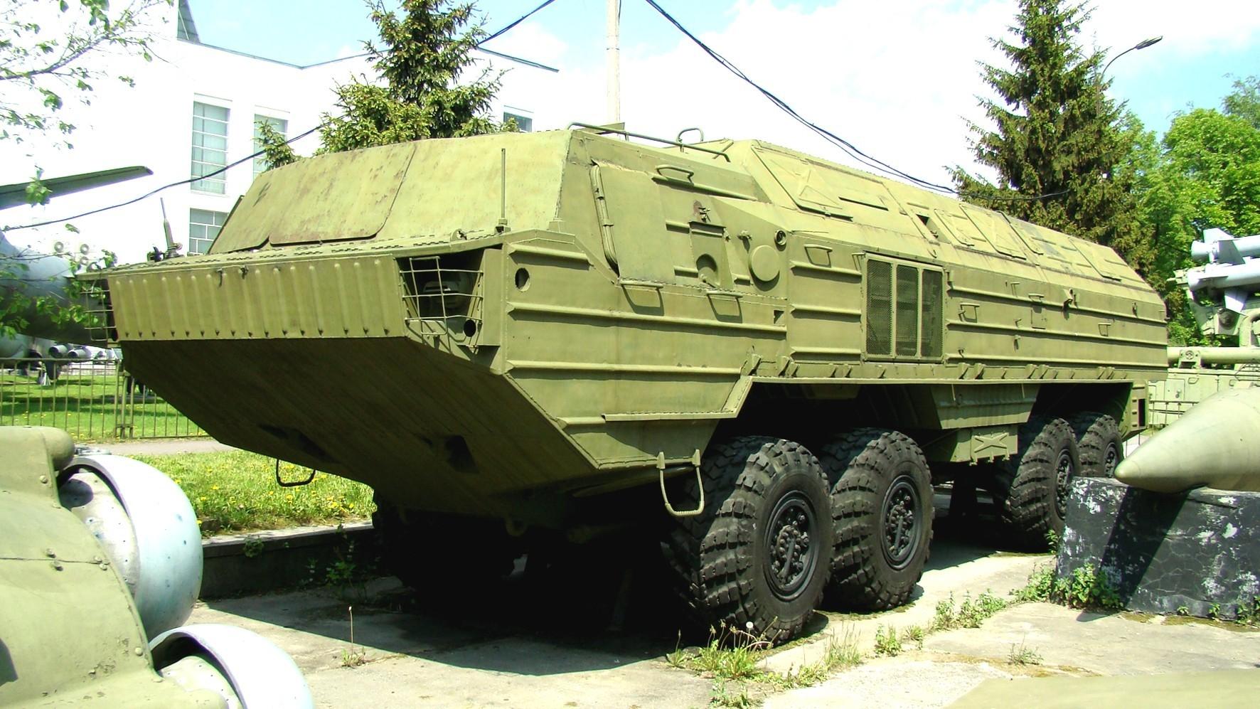 Корпусное шасси БАЗ-6944 в Центральном музее Вооруженных сил России (фото автора)