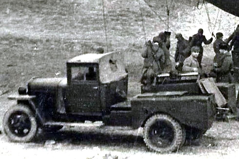 Аэростатная лебедка на упрощенном шасси ГАЗ-ММ военного времени